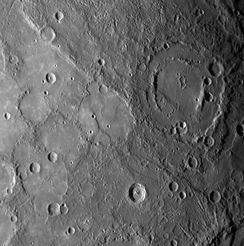 Surface de Mercure vue par Messenger