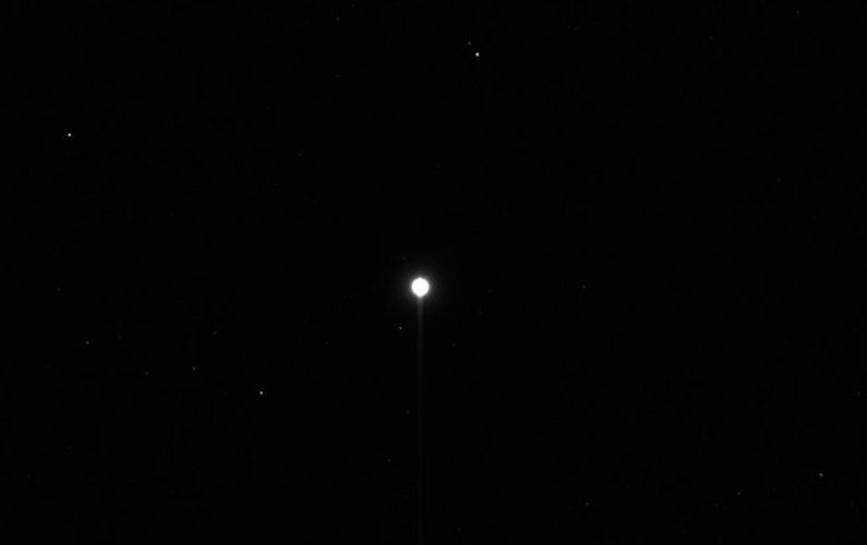Première image de Vesta par la sonde Dawn