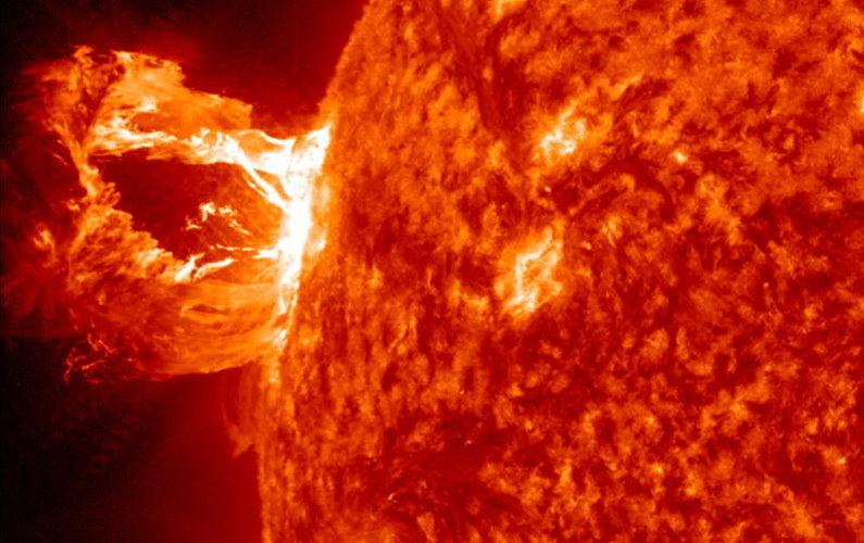 Eruption solaire du 16 avril 2012
