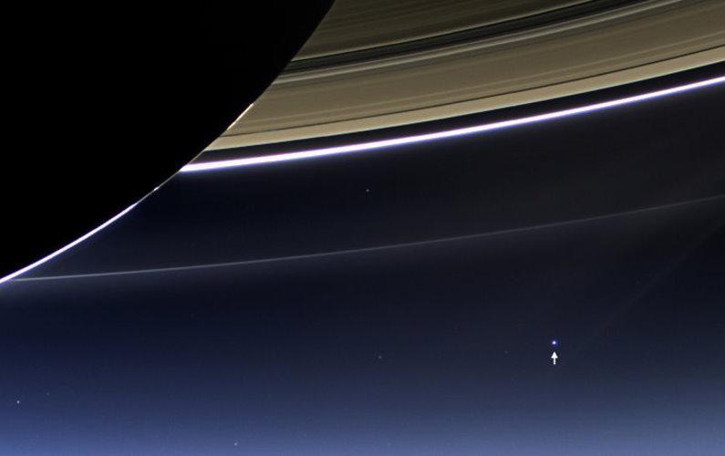 La Terre vue depuis Saturne et Mercure le même jour