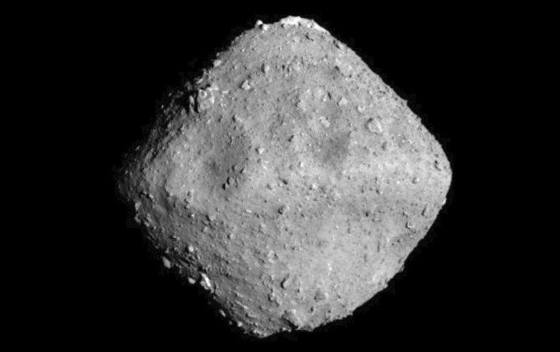 Hayabusa-2 va créer un cratère à la surface de Ryugu