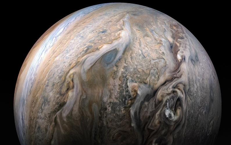 Plus d'eau que prévu sur Jupiter