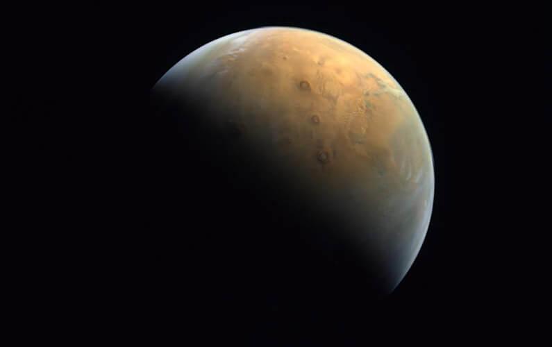 Les Émirats arabes unis se satellisent autour de Mars