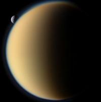 Titan et Mimas
