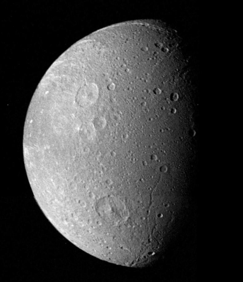 Dioné vu par Voyager