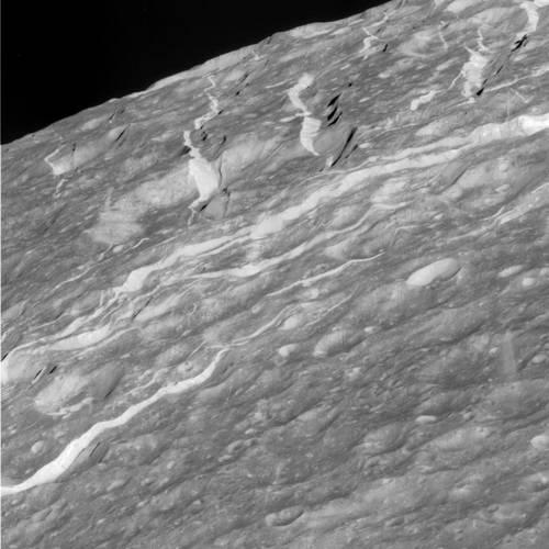 Surface de Dioné